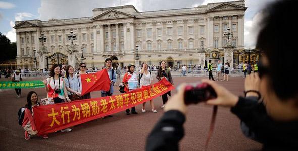 Chinese tourists: 'Make UK visas easier!'