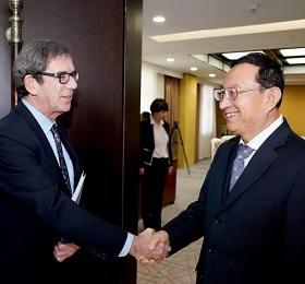 雒树刚会见法国驻华大使黎想 以中法建交55周年为契机扩大旅游规模