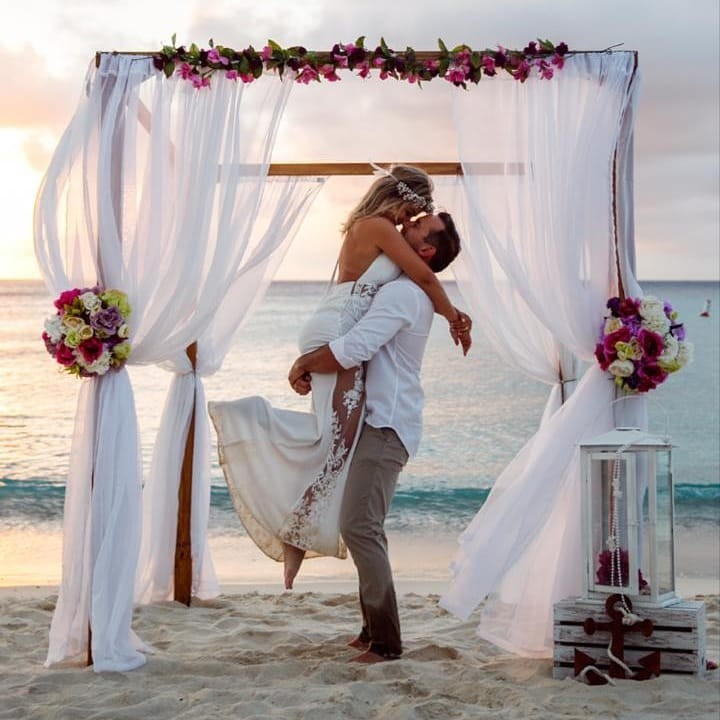 """特殊的情人节,为""""迟到""""的婚礼蜜月做更完美的规划"""