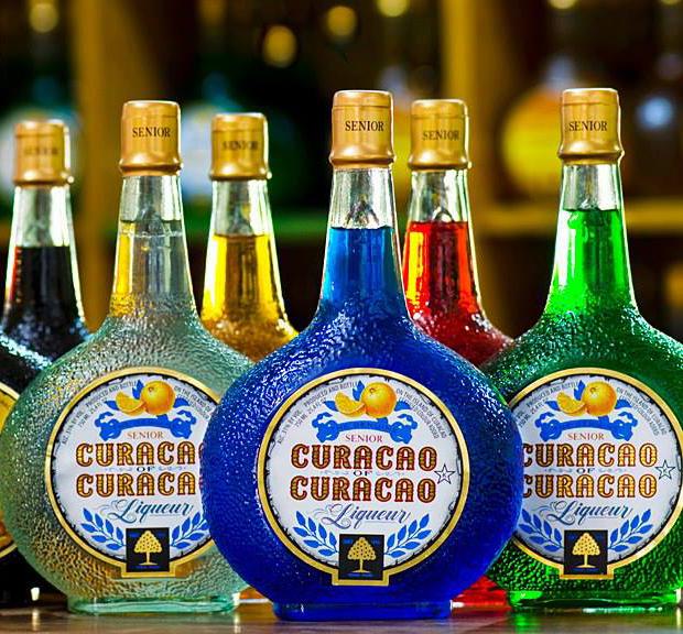 库拉索利口酒 | 杯中的加勒比海,鸡尾酒的最佳拍档