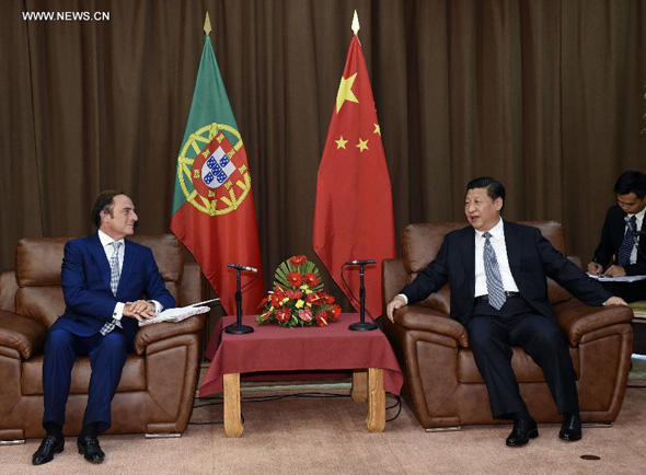 Chinese President Xi Jinping  meets with Portuguese President's representative, Deputy Prime Minister Paulo Portas