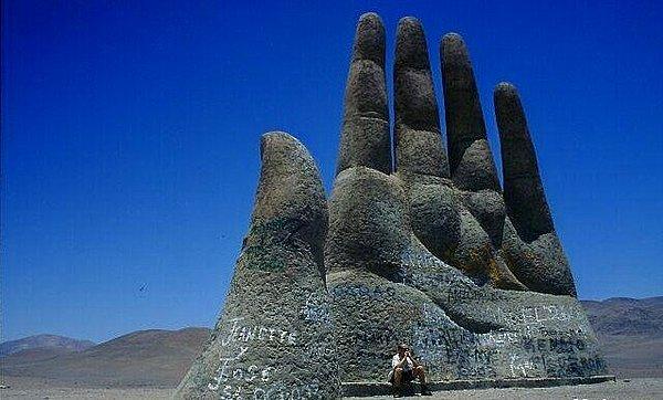 智利有 五指山 巨型手掌矗立沙漠 世界游网world Travel Online