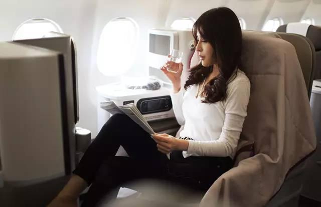 穆熙妍搭乘西班牙伊比利亚航空