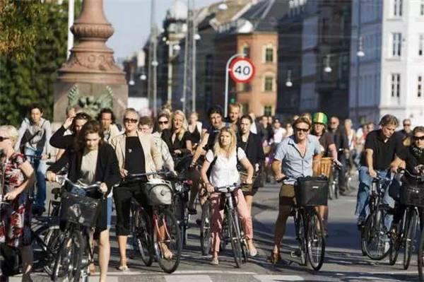 荷兰格罗宁根-世界上最爱自行车的城市