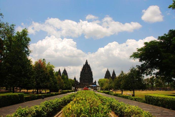 远望印尼普兰巴南神庙
