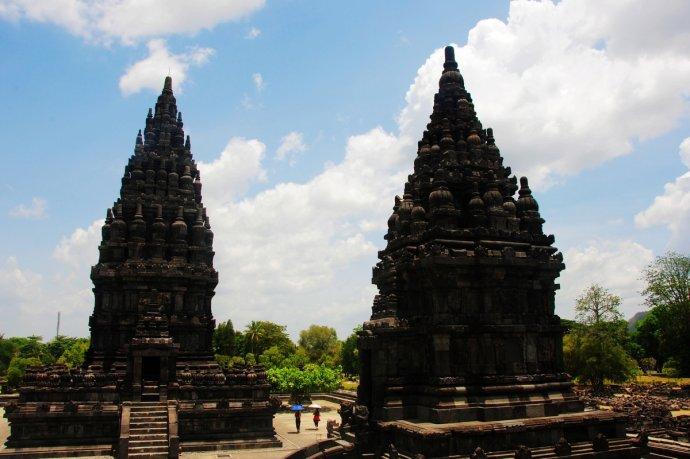 行走在印尼普兰巴南期间,仿佛穿越回了几千年前