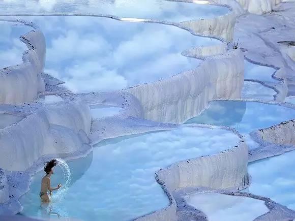 土耳其希拉波利斯的阶梯形温泉