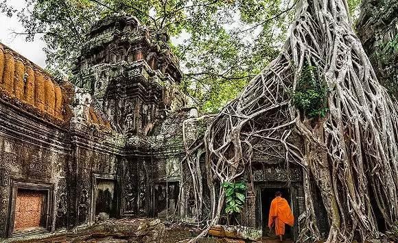 柬埔寨吴哥塔布隆寺