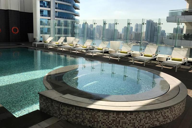 沙迦埃克特皇家郁金香酒店泳池