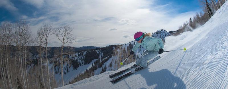 美国阿斯本雪堆山滑雪村