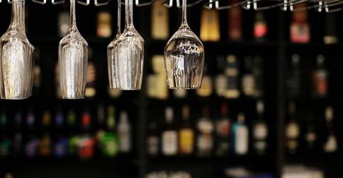 葡萄酒高脚杯