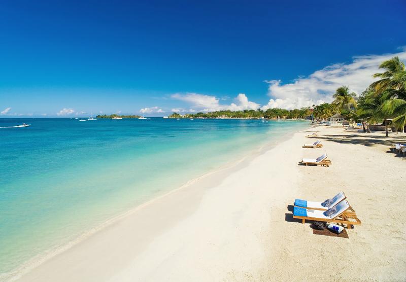 牙买加尼格瑞尔七英里海滩
