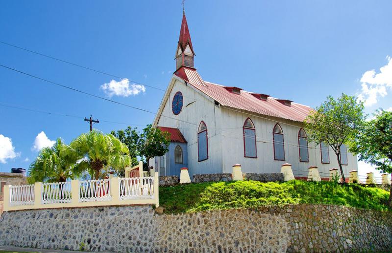 多米尼加萨马纳La Churcha教堂