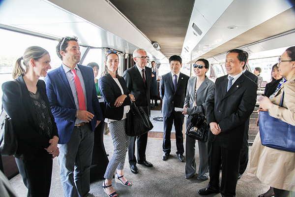 Li Jinzao Attends Sino-French Travel Exchange Meeting