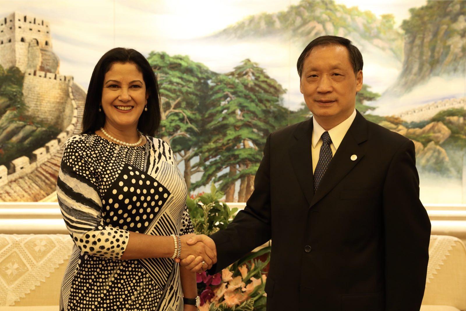 Li Jinzao meets  Marleny Contreras