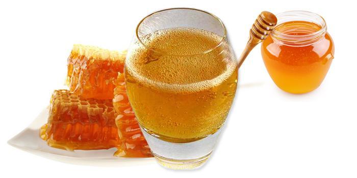 乌克兰美食蜂蜜酒