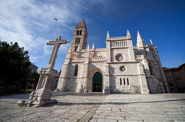 西班牙巴利亚多利德圣玛利亚安提瓜教堂
