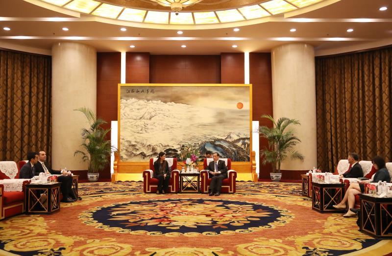 中国国家旅游局局长李金早会见摩洛哥旅游国务秘书拉米娅•布塔勒布