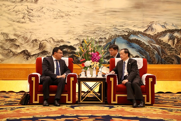 Li Jinzao Meets with Chairman of Uzbek State Committee for Tourism Development