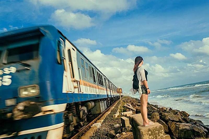 斯里兰卡海上小火车