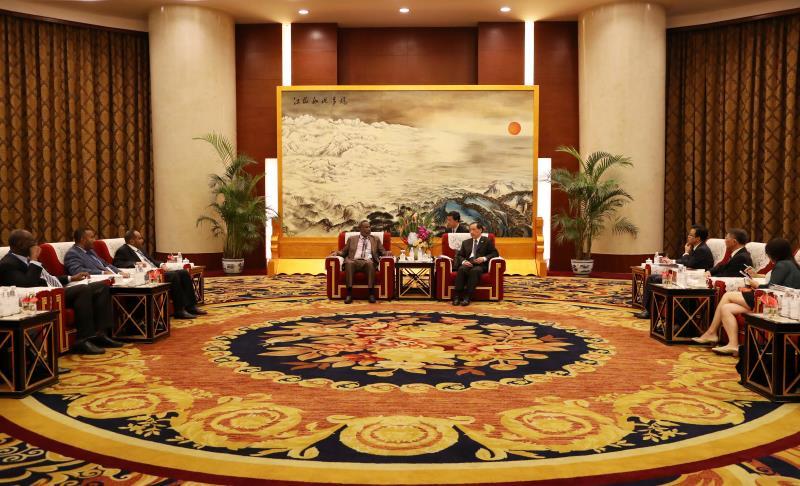 中国国家旅游局长李金早会见苏丹旅游部长穆罕默德