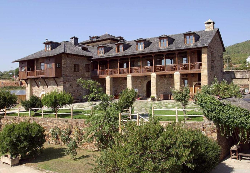 西班牙莱昂普拉达托普 - 卡内多宫殿酒店