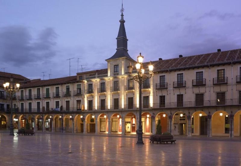 西班牙莱昂莱昂市长广场NH系列酒店