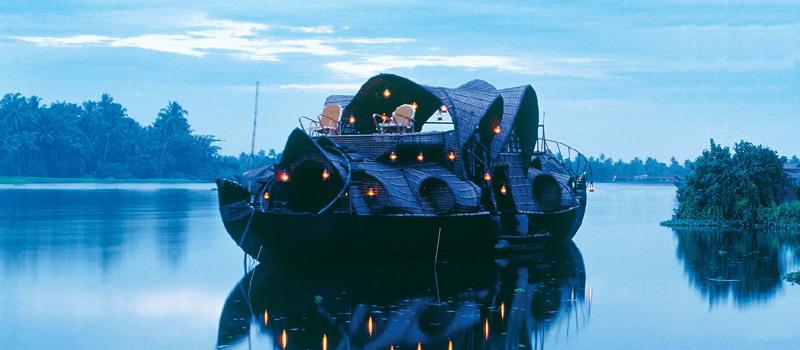 印度喀拉拉邦船屋巡游