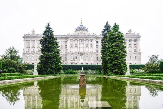 西班牙马德里萨巴蒂尼花园