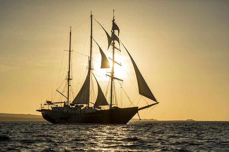厄瓜多尔加拉帕格斯群岛夕阳