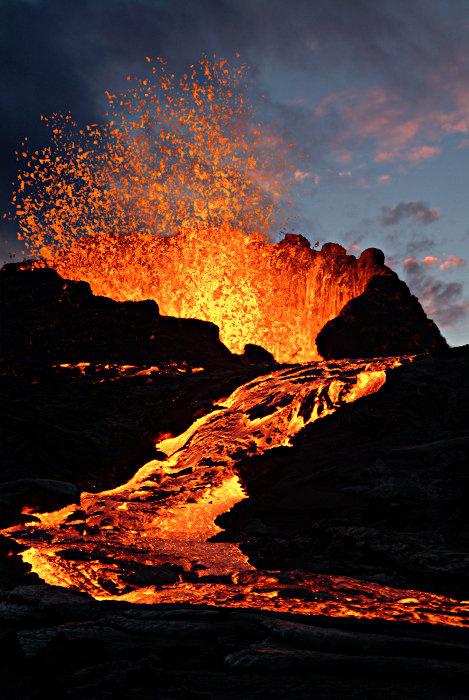 法属留尼汪岛富尔奈斯火山