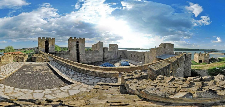 塞尔维亚斯梅代雷沃城堡