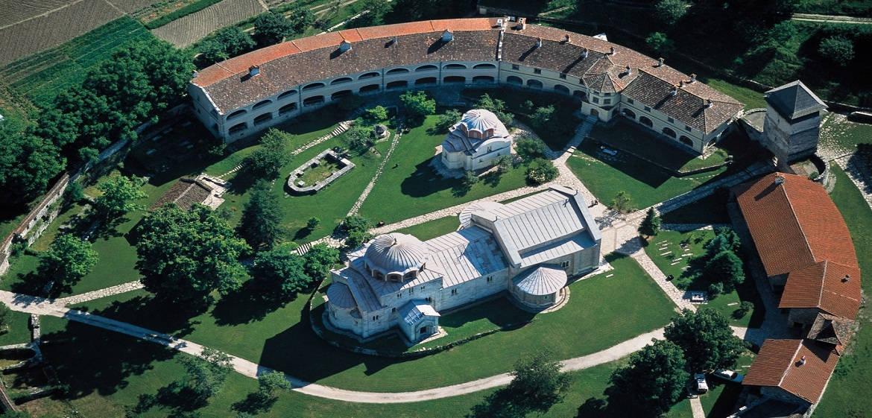 塞尔维亚斯图代尼察修道院