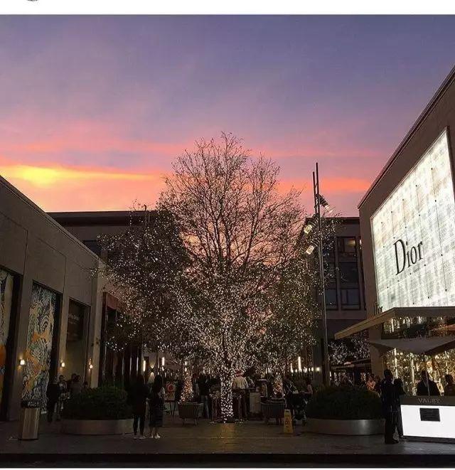 美国休斯顿橡树河购物中心