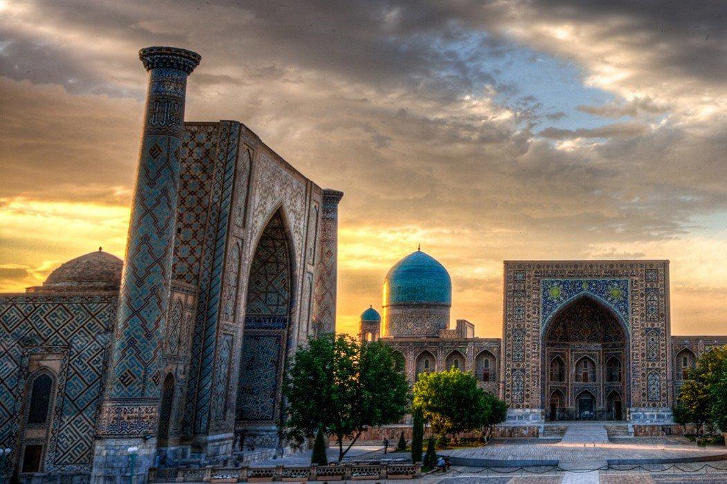 乌兹别克斯坦撒马尔罕雷吉尔广场