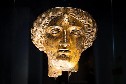 米涅尔瓦女神铜头像