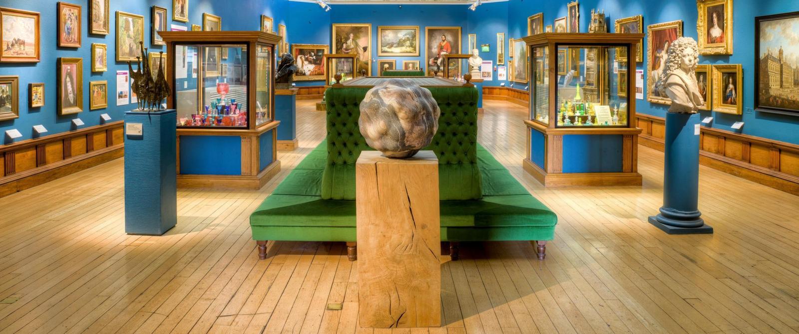 维多利亚艺术画廊