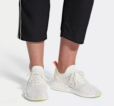 Adidas NMD R1 Boost纯白跑步鞋