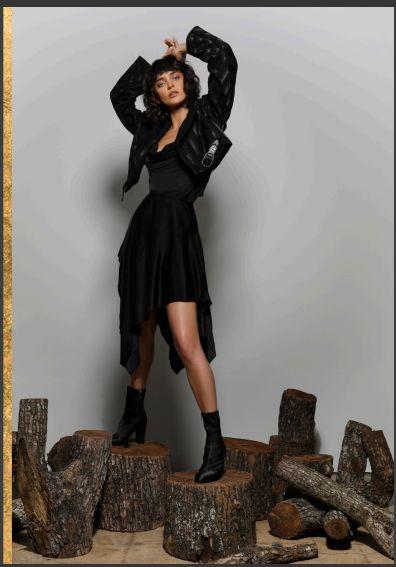 Roberto Cavalli全黑半裙套装