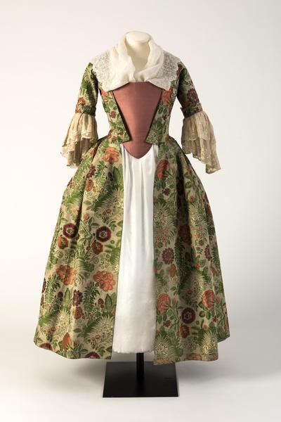 绿色和粉色锦缎丝绸开放式长袍,1730年代