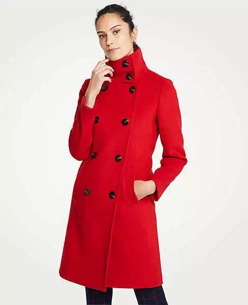 红色系大衣