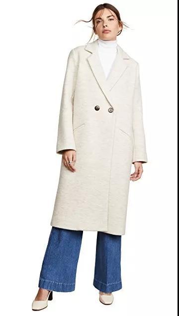 白色长款束腰大衣