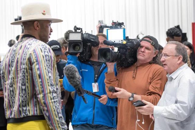 Tucker和记者们