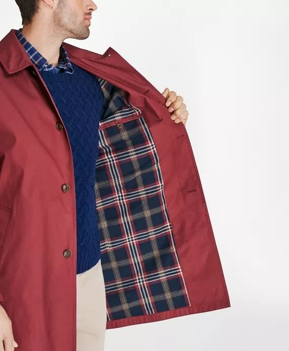砖红色风衣外套
