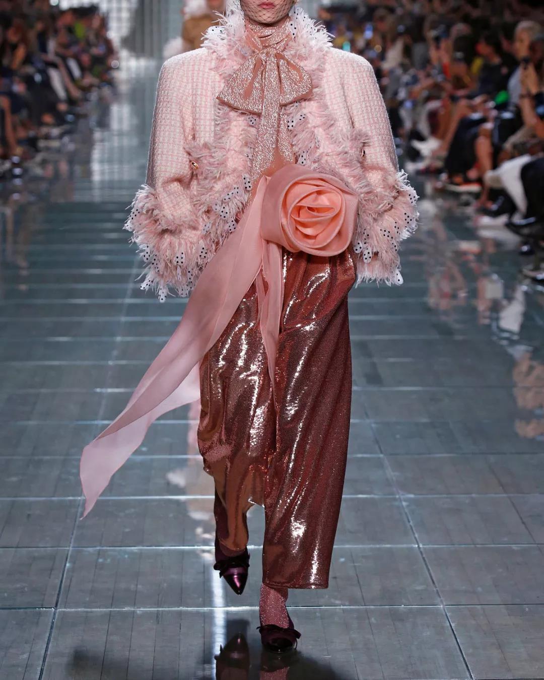 Marc Jacobs圆点羽毛边饰圆领外套