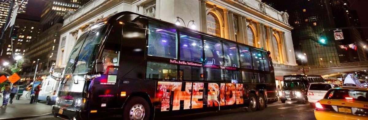 纽约街头表演观光巴士