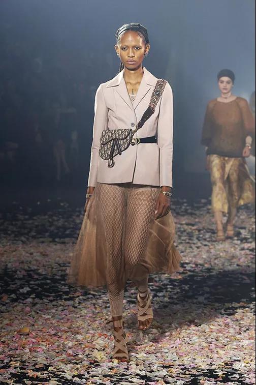 Dior马鞍包