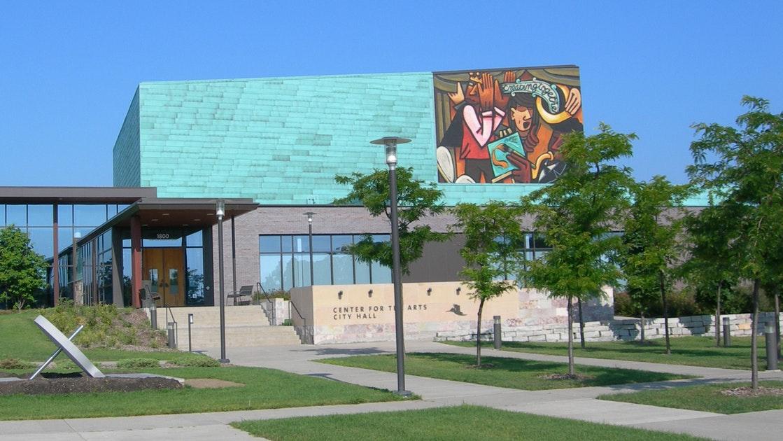 布卢明顿艺术中心