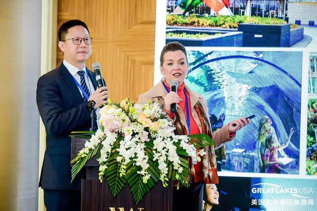 布卢明顿旅游局媒介客户经理Pamela Joy在活动现场介绍布卢明顿旅游资源