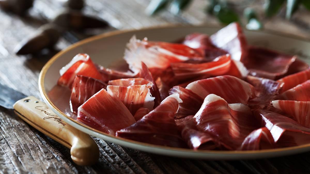 伊比利亚火腿搭配西班牙顶级葡萄酒